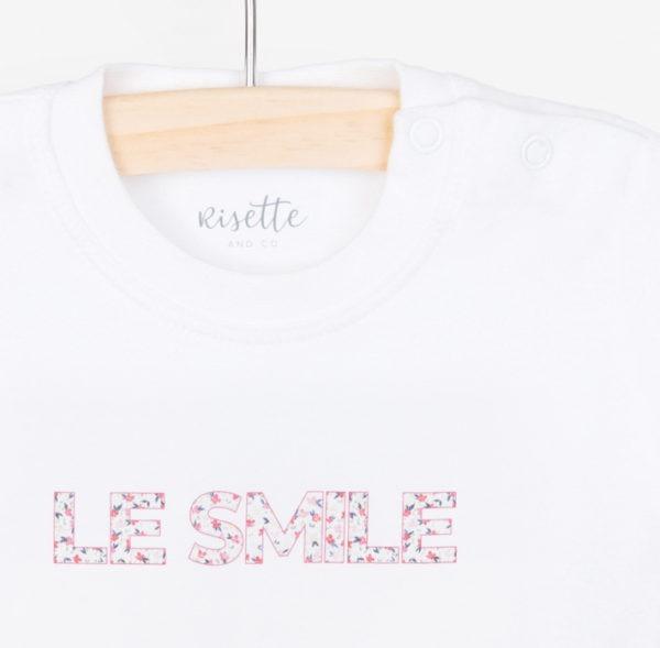 T-Shirt-LE SMILE_BEBE-ROSE_Détail encolure et impression
