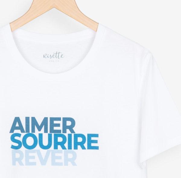 T-shirt-Aimer Sourire Rêver_ADULTE-BLEU_détail encolure et impresion