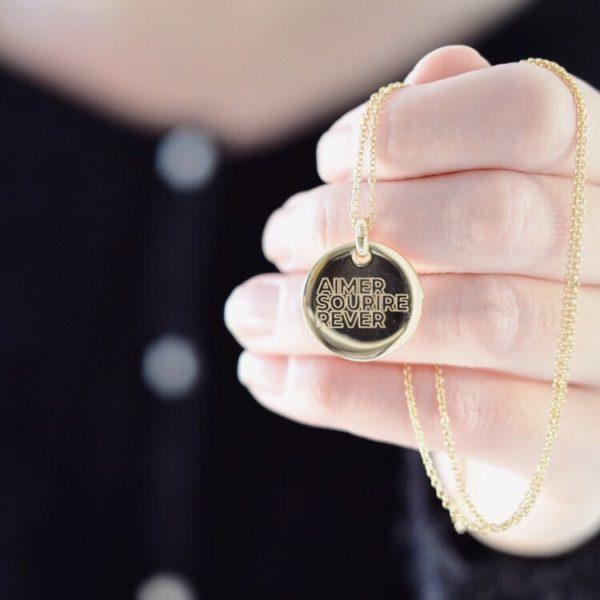 Médaille Aimer Sourire Rêver gravée plaqué or