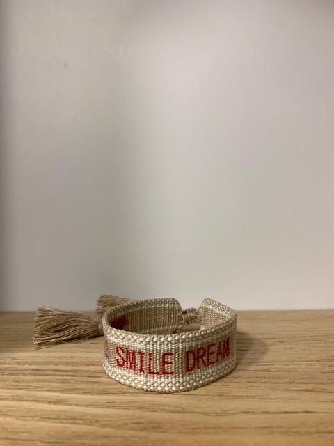 Bracelet Love Smile Dream Risette and Co en collaboration avec 23 Mai détail smile et dream